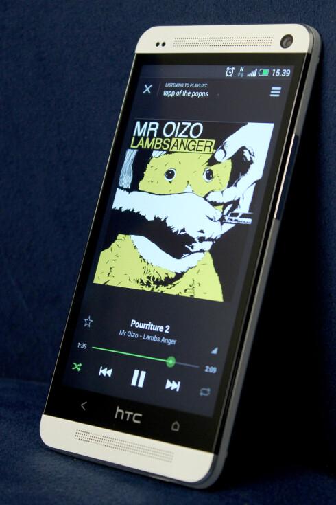 Nye HTC One vil etter alt å dømme se ganske lik ut som originalen. Foto: Ole Petter Baugerød Stokke
