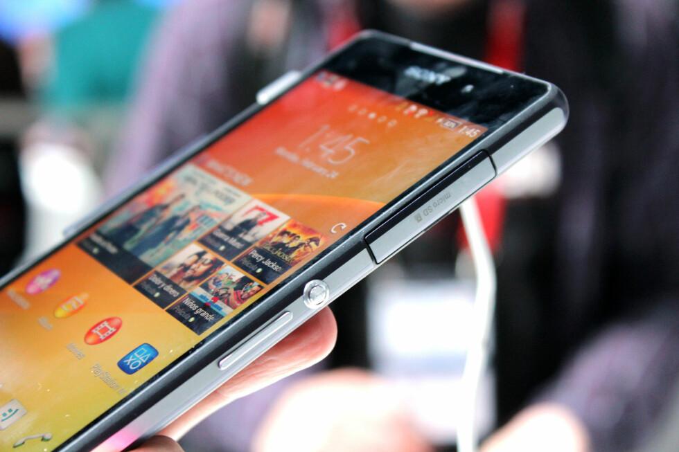 VANNTETT: Sony har gått i bresjen for vanntette telefoner. Kommende Xperia Z2 tåler naturligvis også en sprut. Foto: KIRSTI ØSTVANG