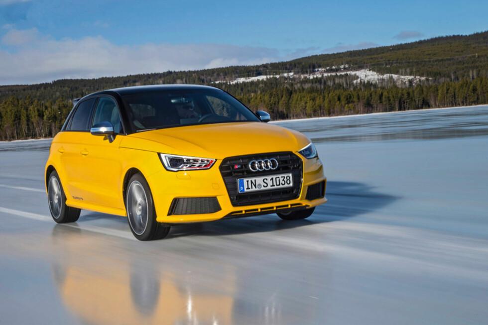 ISMESTER: Ute på den glatte isen, har S1 få problemer. Foto: Audi