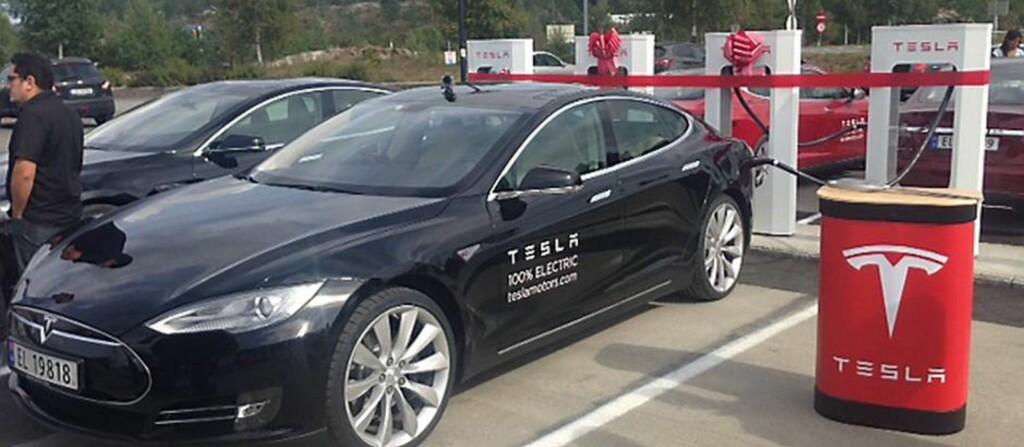 <b>OPPGRADERES:</b> Snart kommer Model S i oppgradert versjon. Dette for å få nødvendig sikkerhetsutstyr på plass.  Foto: TESLA