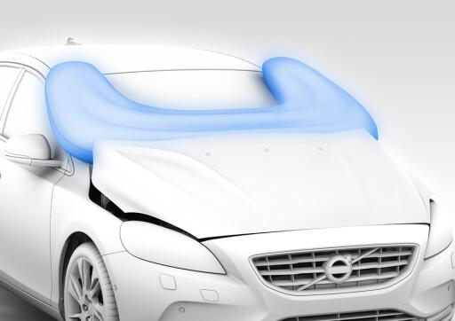 Volvo har laget en utvendig kollisjonspute som skal beskytte myke trafikkanter når uhellet er ute.  Foto: Volvo