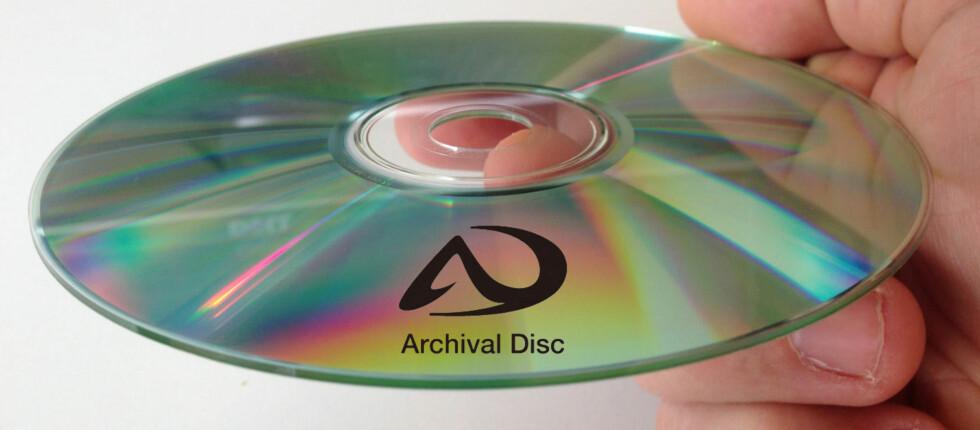 Ifølge Sony og Panasonic er optiske plater bedre egnet enn harddisker til å bevare data for ettertiden. Derfor utvikler de Archival Disc-formatet. Foto: DinSide