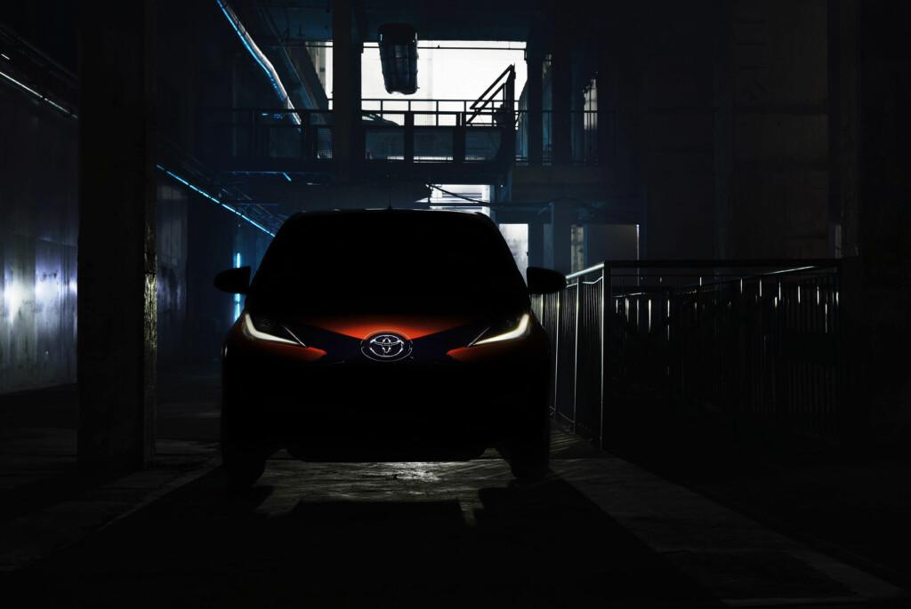HEMMELIGHETSFULLE: Foreløpig er dette eneste bilde som er sluppet av Aygo.  Foto:  Toyota