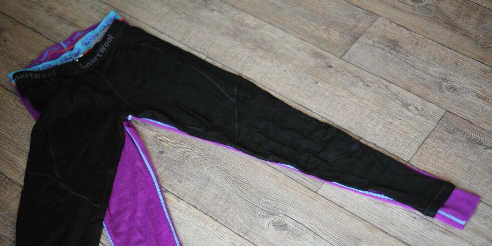 Longsen fra Pierre Robert (rosa) er litt lengre i beina og i livet enn longsen fra SmartWool. Foto: KRISTIN SØRDAL