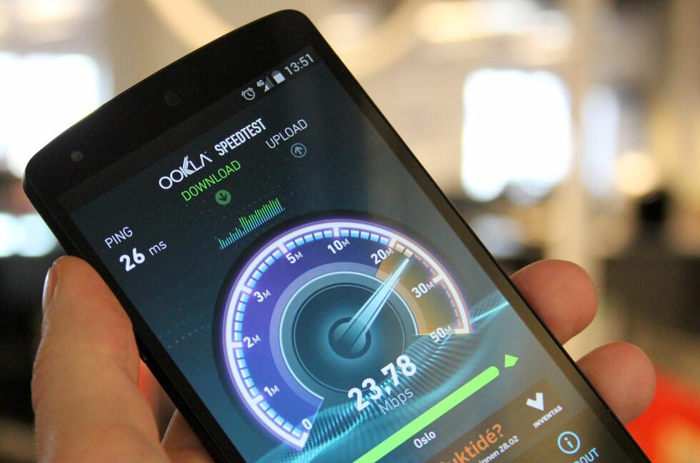 IKKE DETTE: Operatørene forsøker å overbevise Forbrukerombudet om at ren nedlastningshastighet, som her blir testet på 4G-nettet til Netcom, ikke er det eneste som definerer 4G-fart.  Foto: OLE PETTER BAUGERØD STOKKE