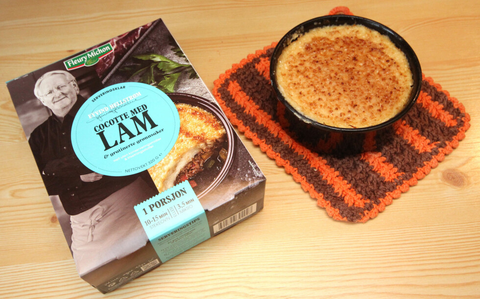Eyvind Hellstrøms franskproduserte Cocotte med lam - som altså er lammekjøtt med pastinakk- og potetpuré i en ildfast form. Smaker aldeles nydelig! Foto: OLE PETTER BAUGERØD STOKKE