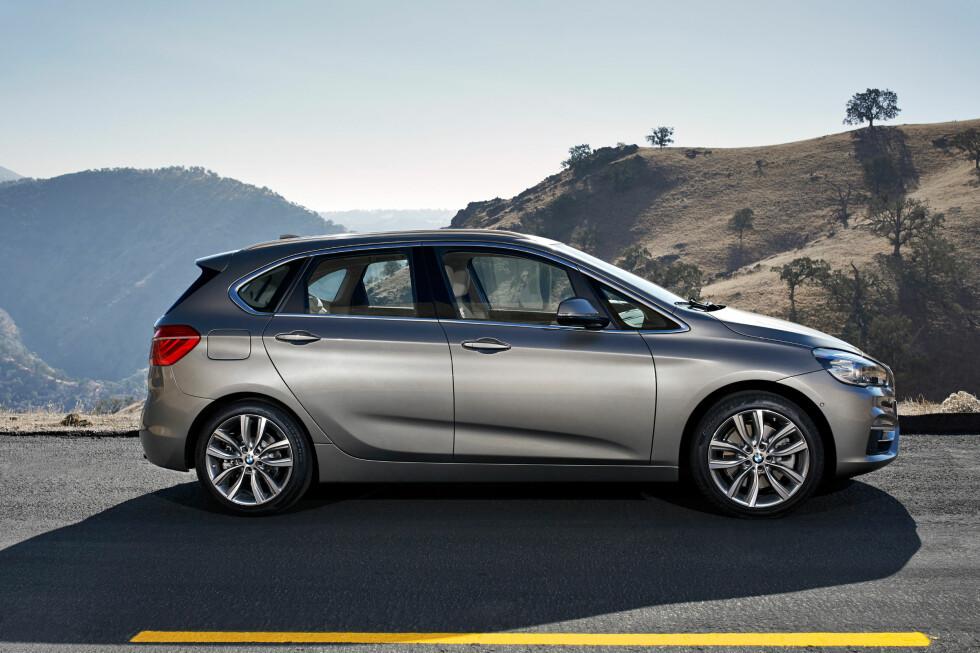 <strong><b>SKULLE ALDRI BYGGES:</strong></b> Her er bilen BMW sa de aldri skulle lage, og vi snakker ikke om forhjulsdriften. Dette er 2-serie Active Tourer - en flerbruksbil av kompakt størrelse. Det blir konkurrenten til B-klassen til Mercedes. Foto: BMW