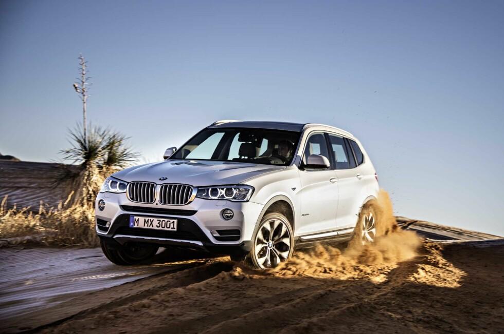 FORNYES: BMW X3 skal forsterke sin posisjon i markedet med en oppdatering både utvendig og innvendig.Noen av motorene er også fornyet, og Norge får nedtunede og dermed rimeligere utgaver. Foto: BMW