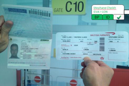 Scanning av dokumenter på flyplassen, med Google-briller. Foto: SITA