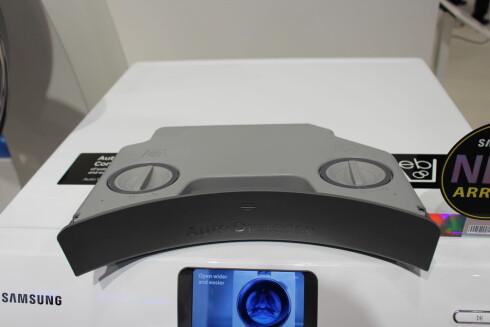 AUTOMATISK VASKEMIDDEL: Du kan fylle på vaskemiddel og skyllemiddel for autodosering. Foto: ELISABETH DALSEG