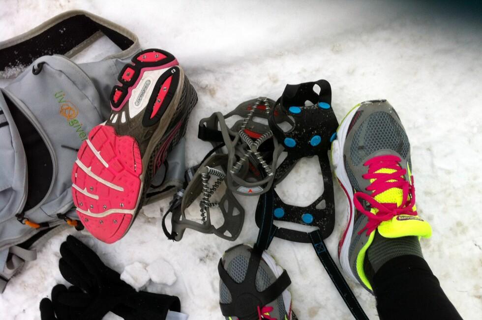 PIGG ELLER BRODDER? Vi har testet ulike brodder og oppiggede løpesko. Hva funker best? Foto: KRISTIN SØRDAL