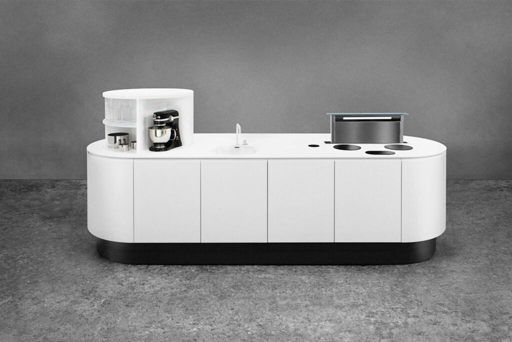 Å se på kjøkken og disker som arbeidsstasjoner på lik linje som et høydejusterbart skrivebord, er en av hovedtankene bak lanseringen av systemet, skriver selskapet i en pressemelding. Foto: Linak