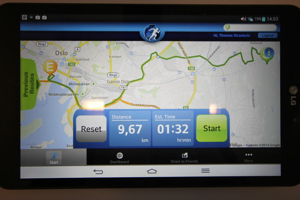 ENKEL: Det er enkel å sette opp en løperute på Run the World-appen. Skulle vi løpt hele veien til jobb, ville vi brukt 1,5 time hvis vi løp rundt 6 km/t, som er vår vanlige snitthastighet når vi ellers løper. Jepp, ikke spesielt imponerende.  Foto: THOMAS STRZELECKI