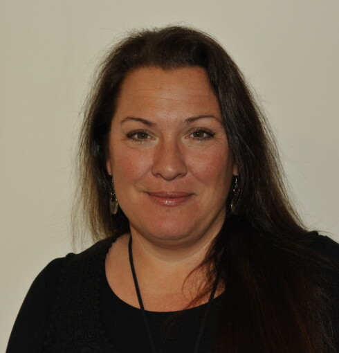 Sonja Skinnarland er ansvarlig for NAVs gjeldstelefon. De har fått rekordmange henvendelser i 2014. Foto: NAV