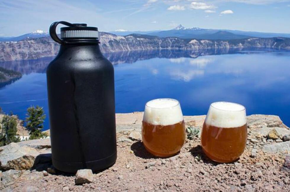 ISKALD PILS: Hydro Flask Beer Growler holder kalde drikker kalde i opptil 24 timer, og varme drikker varme i opptil 12 timer. Foto: Hydroflask.com