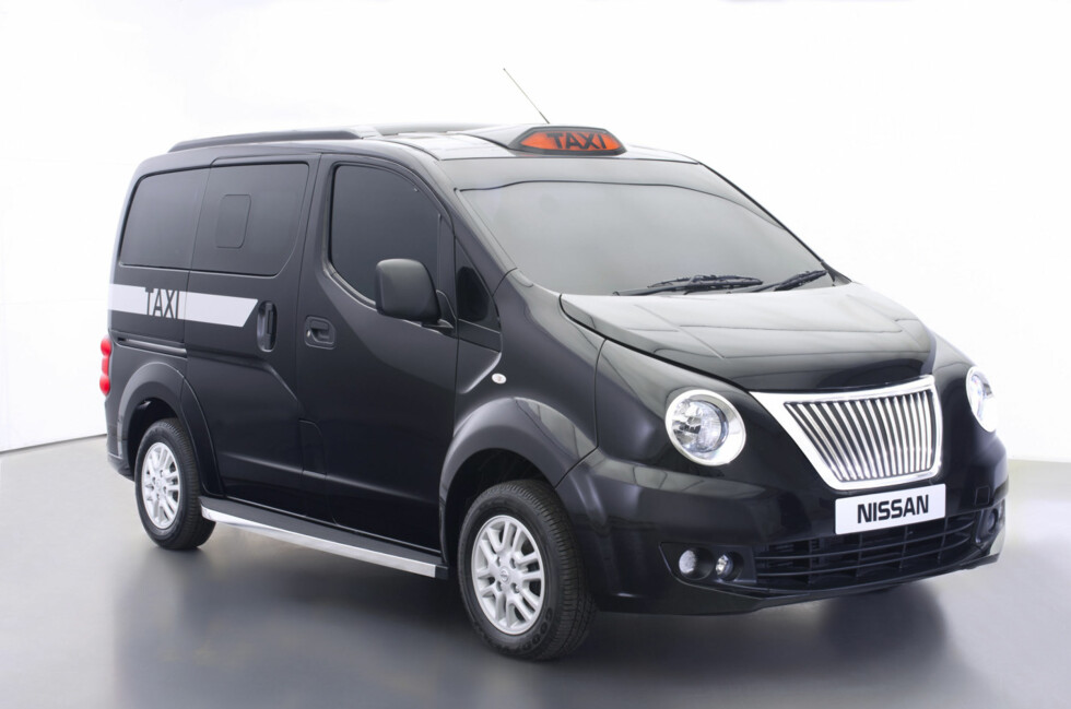 BLIR GARANTERT KONTROVERSIELL: Nissan er allerede blitt introdusert i gatebildet i London med sin sorte NV200, men ikke ennå med dette oppsynet - utarbeidet i samarbeid med blant annet rådhuset i London. Foto: Nissan