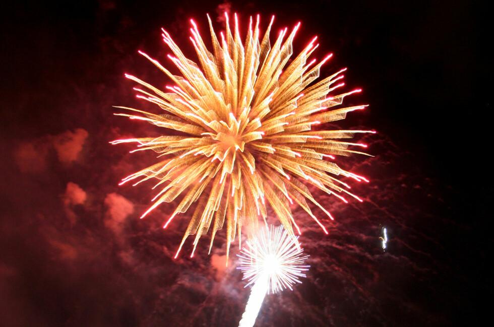 """Med litt trening kan du ta fine bilder av fyrverkeri. (Foto: """"Fireworks 8 av Dawnsy58,CC-BY)"""