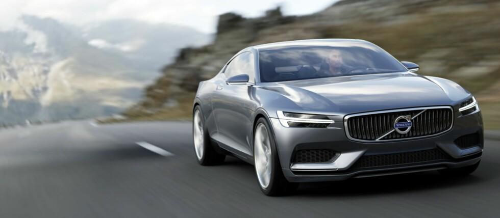 """Volvo Concept Coupe er en hyllest til 60-tallets """"Helgenen-bil"""", P1800. Foto: Volvo"""