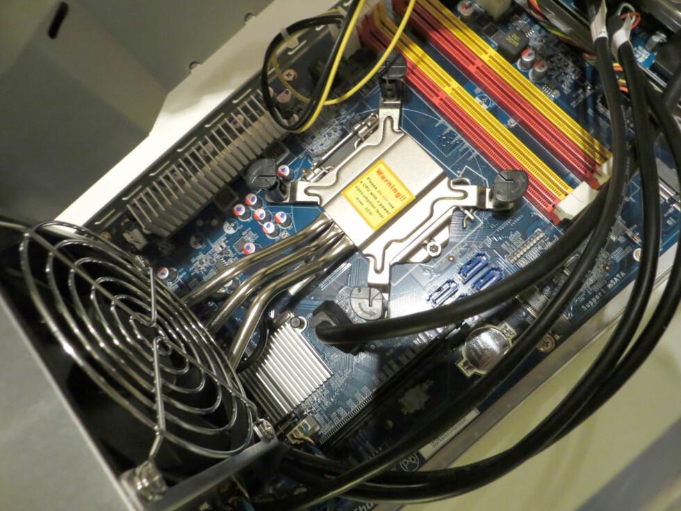 Shuttle XPC Barebone SH87R6 med Intel Pentium (Haswell)-prosessor
