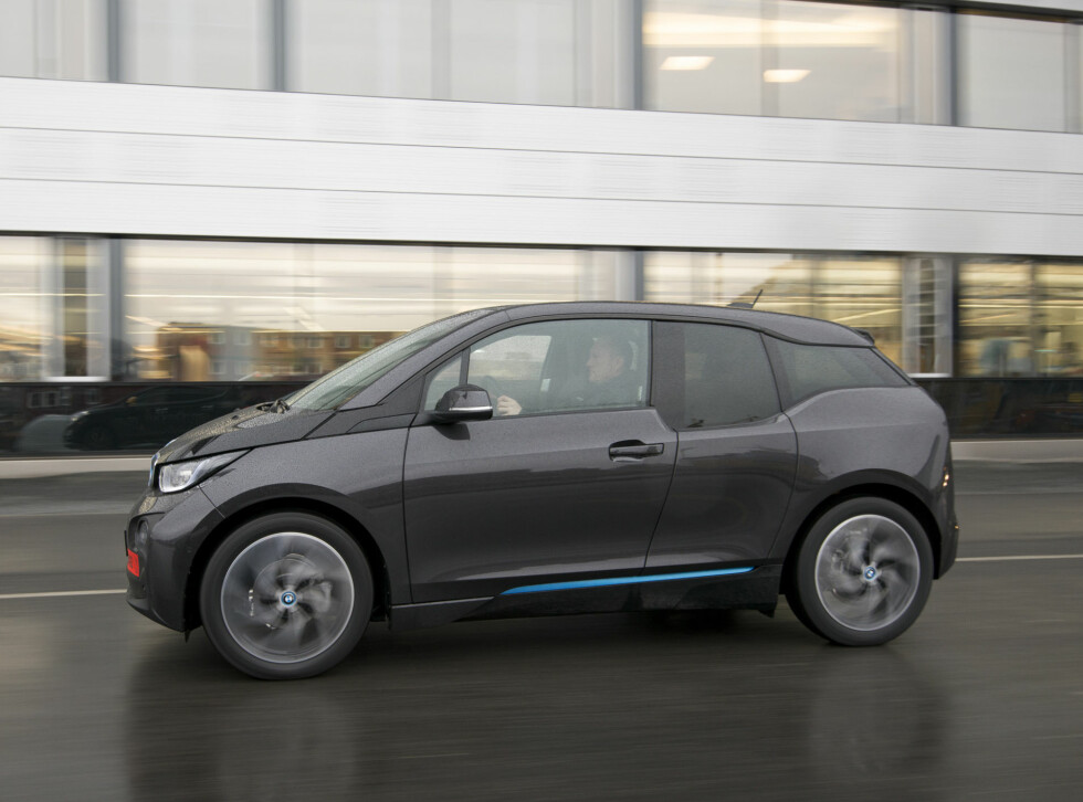 BMW i3 Nissan Leaf duell Foto: Jamieson Pothecary