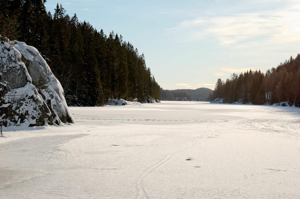 VINTER: I Oslomarka indikerer røde streker på kartet  vintertraseer.  Foto: PantherMedia