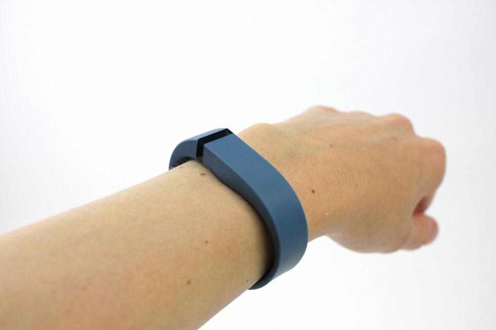 Flex-armbåndet sitter godt. Om det er pent, får være opp til de enkelte å vurdere.  Foto: KIRSTI ØSTVANG