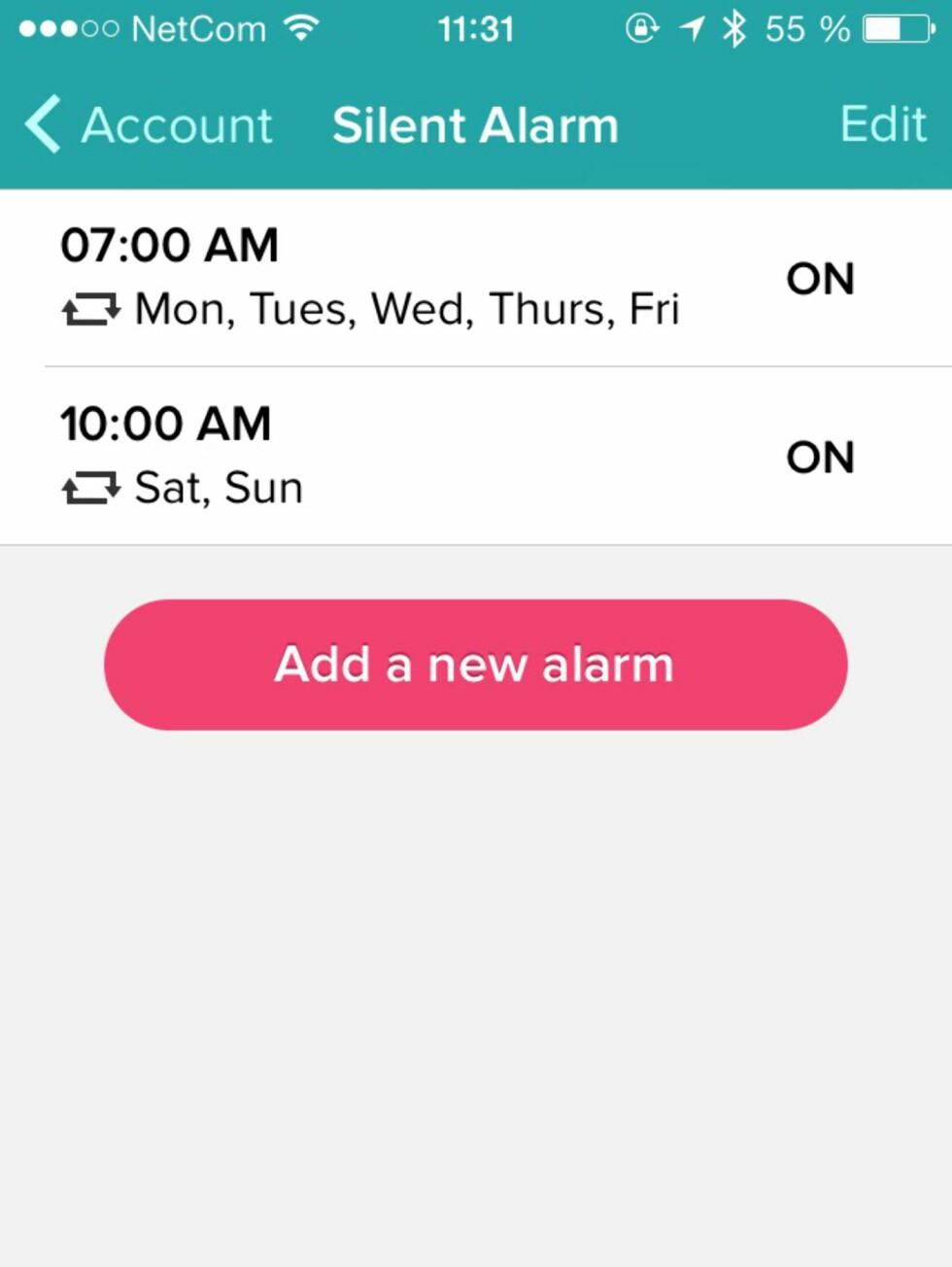 STILL KLOKKA: En av de beste funksjonene til Fitbit Flex er muligheten til å bruke det som vekkerklokke. Du legger enkelt til nye alarmer fra appen - og de synkroniseres umiddelbart. Foto: KIRSTI ØSTVANG
