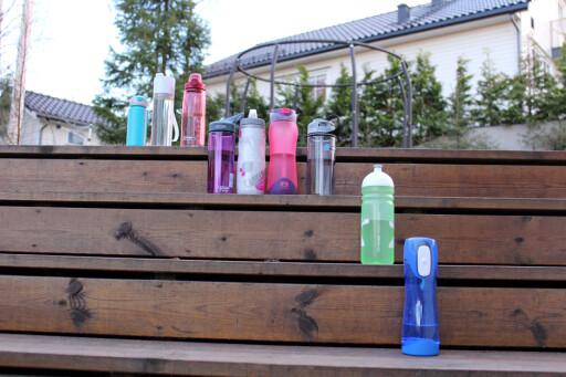 BEST OG VERST: Flaskene i rangert rekkefølge, med de beste på topp og de dårligste nederst. Foto: Kristin Sørdal