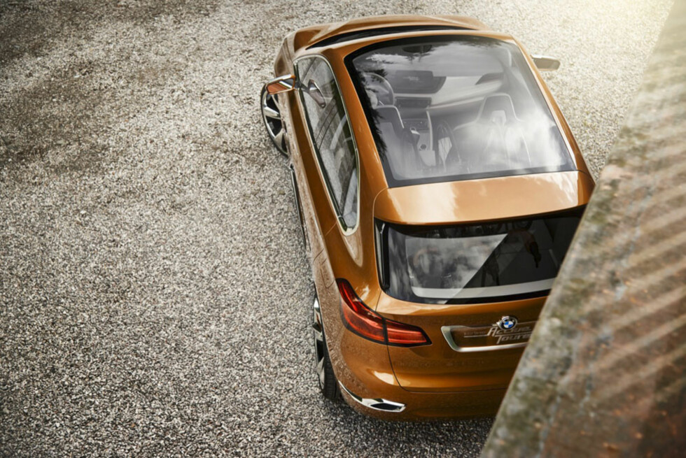 Med på trendene. Glasstak gir lys kupé. Foto:  BMW