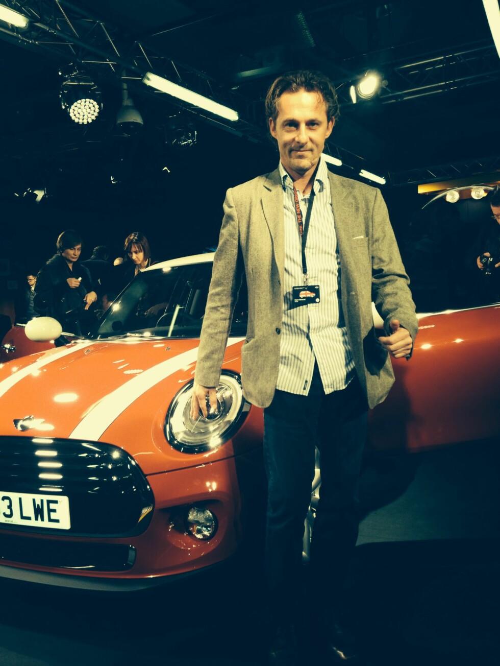 Motor-redaktør Espen Stensrud dekket Mini-lanseringen i Oxford.  Foto: Autofil