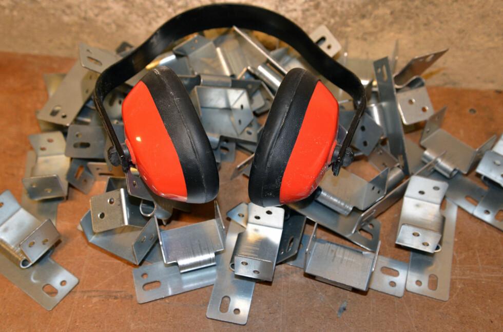 Lydbøyler er praktisk for lydisolering mot tak. Foto: Brynjulf Blix