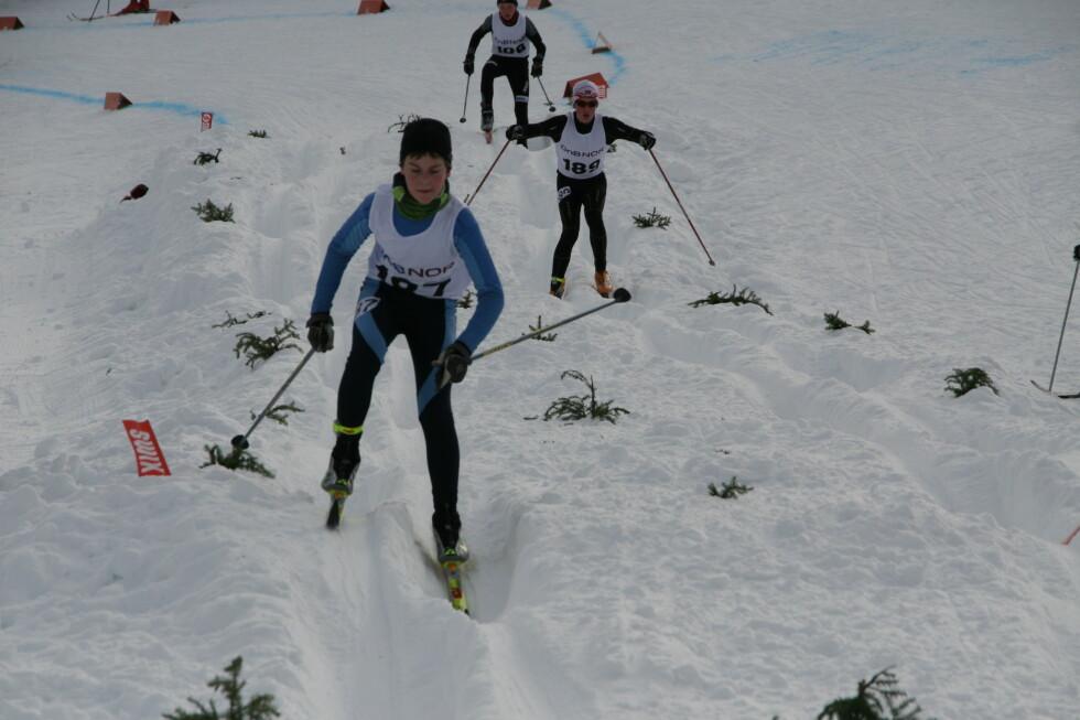 GØY: Norges skiforbund sier langrennscross er en motivernede konkurranseform som bidrar til å utvikle skiferdigheter.  Foto: Norges skiforbund