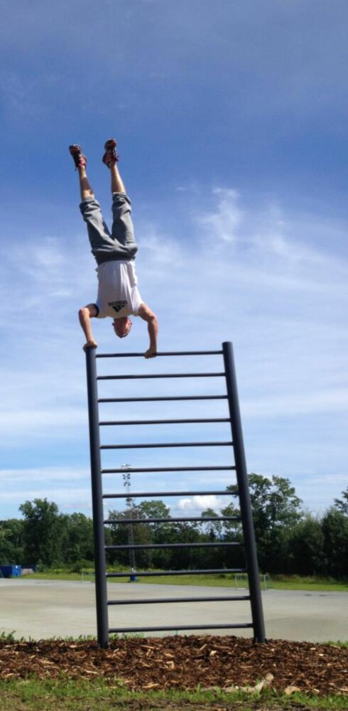 KREVENDE: Ikke alle øvelser passer for nybegynneren.  Foto: Tufteparken.no
