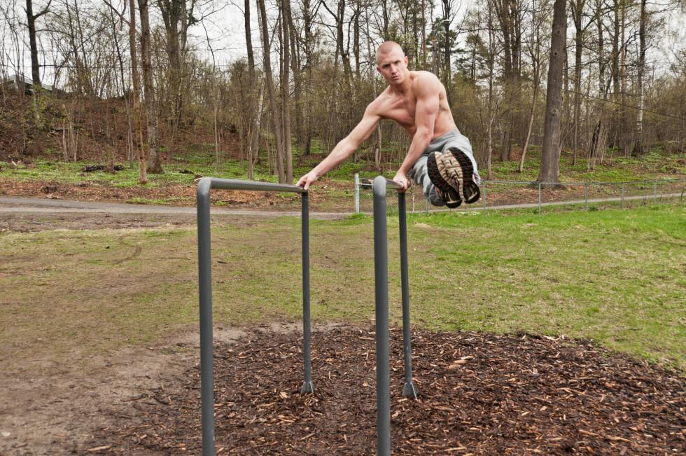 GODT TRENT: Lasse Tufte trener på en skranke i en parkene som er kallt opp etter ham.  Foto: Mankini Photography/Tufteparken.no