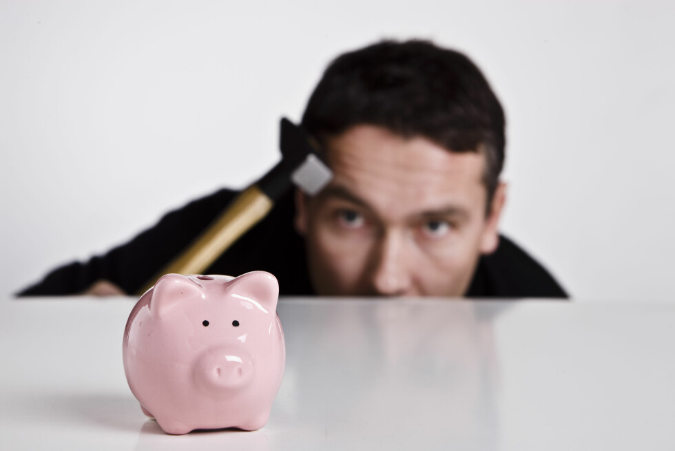 Klarer du å la sparepengene stå i fred, får du ekstra renter i bonus. Men det utgjør ikke nødvendigvis så mye. Foto: Colourbox.com