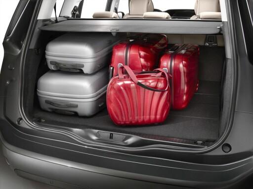 I denne konfigurasjonen skal bagasjerommet ha like god plass som de største familiestasjonsvognene - fra 645 til 700 liter avhengig av hvor langt frem annen seterad befinner seg. Foto: Citroën