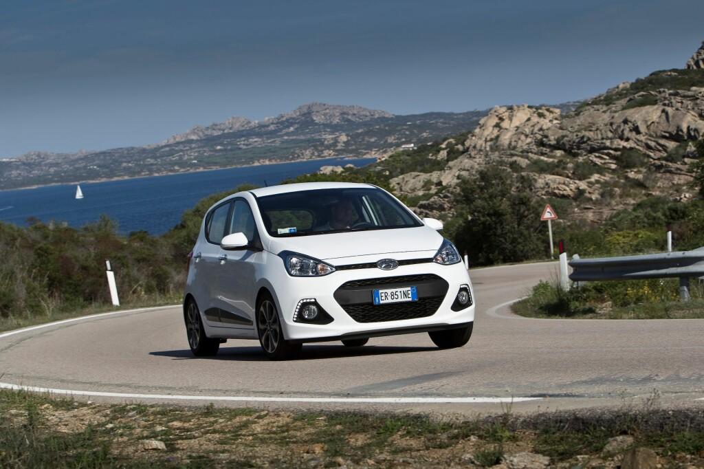 Nye Hyundai i10 imponerte oss. Den koreanske produsenten har tatt nok et syvmilssteg og løftet småbilen til et nytt nivå. Dette er nå en type bil som duger for langt fler enn tidligere.