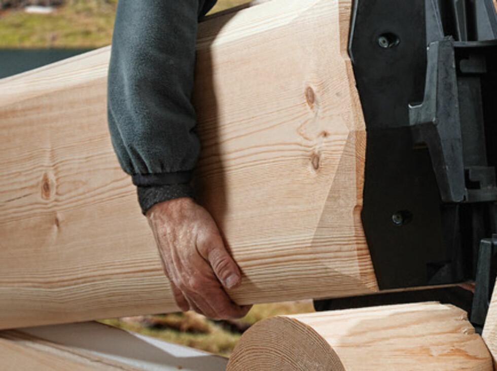 Montering er enkel, bare å plassere og slå ned stokken. Foto: Isolaft