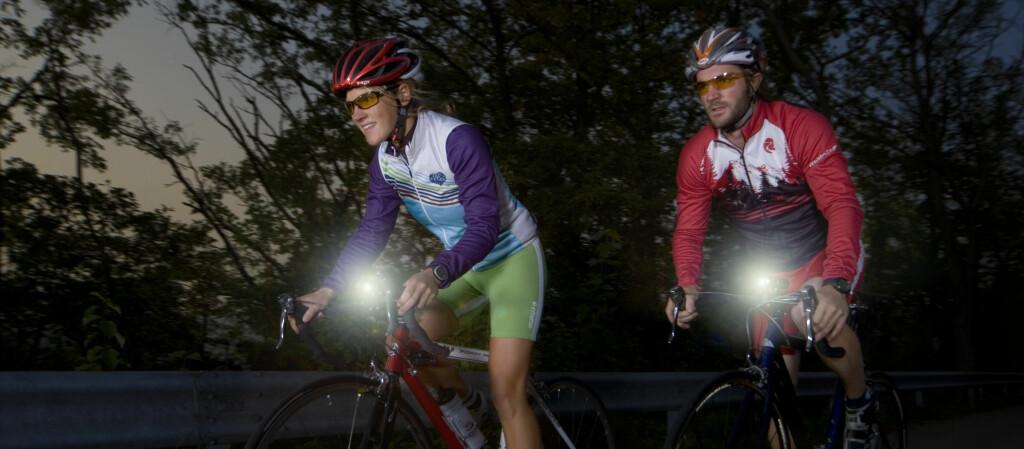 – Sykkelbutikkene må bli flinkere til å utstyre oss med forskriftsmessig utstyr, og syklisten må bli flinkere til å bruke det, sier Hulda Tonstad i Syklistenes Landsforening. Foto: Sigma Sport