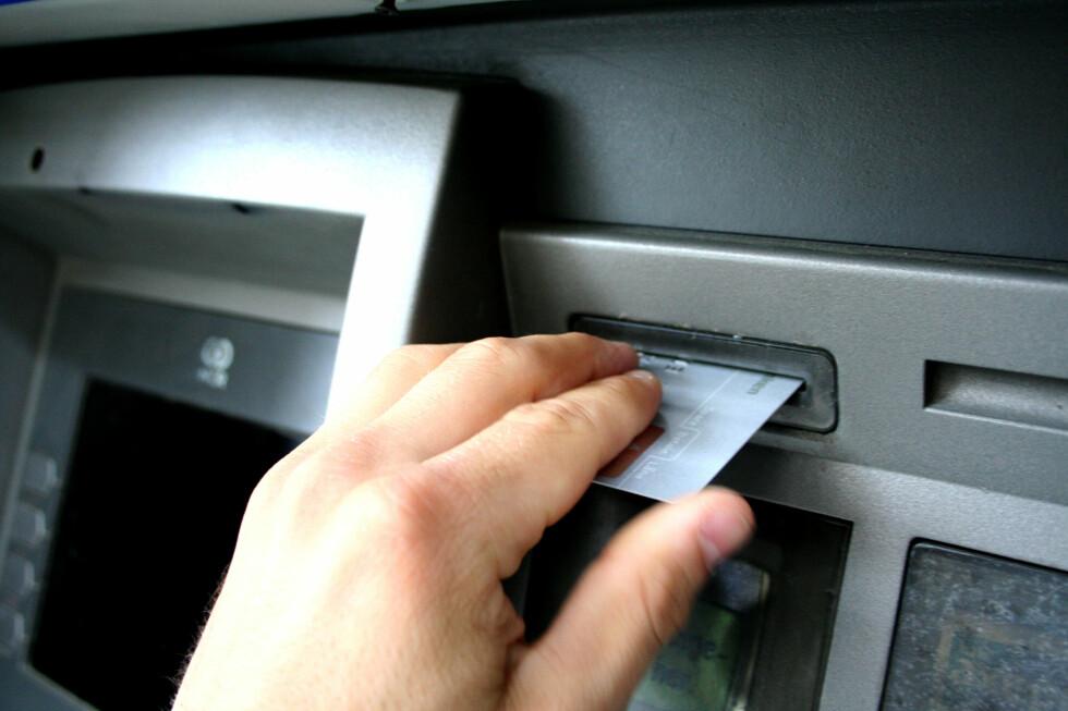 Velger du minibanken til en annen bank, vil det i mange tilfeller koste ekstra.