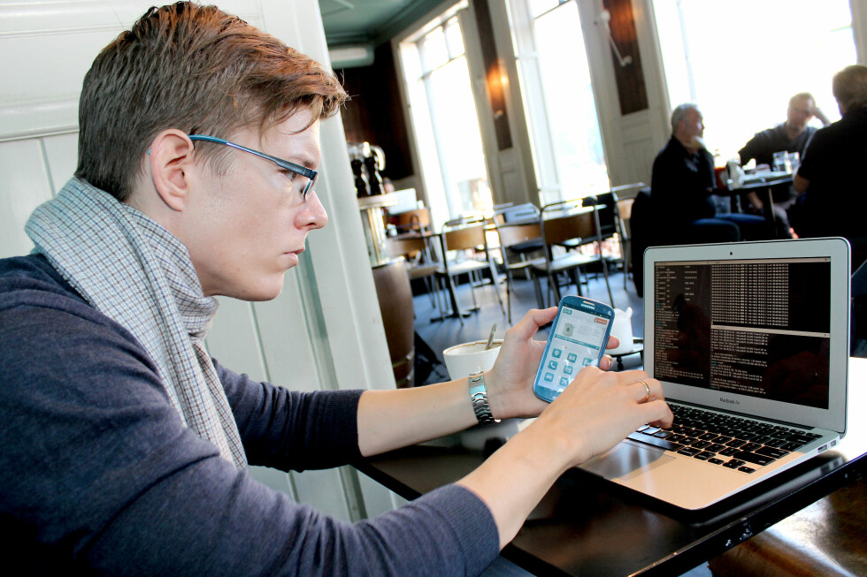 SKREMT: Sikkerhetseksperten Einar Otto Stangvik brukte ikke lang tid på å finne flere hull i en rekke norske apper.  Foto: Ole Petter Baugerød Stokke