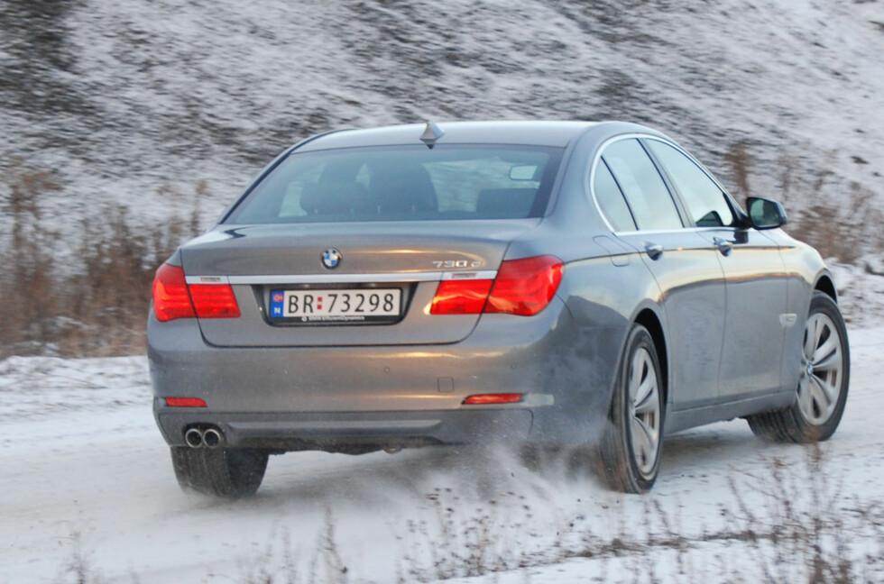 VINTERFØRE: Ikke gå på en frostsmell, mange steder er det nå vinterføre på veiene. Foto: Cato Steinsvåg