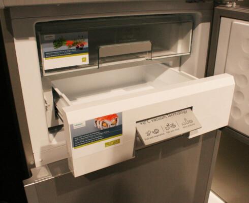 Siemens viste frem vakuumskuffen sin på IFA i år - med denne skal matvarer få opptil fem ganger lenger holdbarhet. Foto: Elisabeth Dalseg