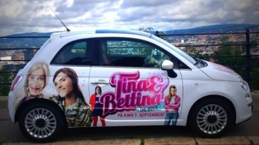 """Leasingaktøren Bildeal tilbyr lavere månedsleie til deg som takker ja til """"litt"""" reklame på bilen. Foto: Bildeal.no"""