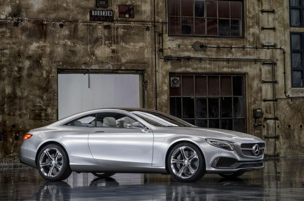Concept S-Class Coupe heter den og er forløperen for Mercedes' kommende flaggskip i luksusklassen. Foto: Daimler