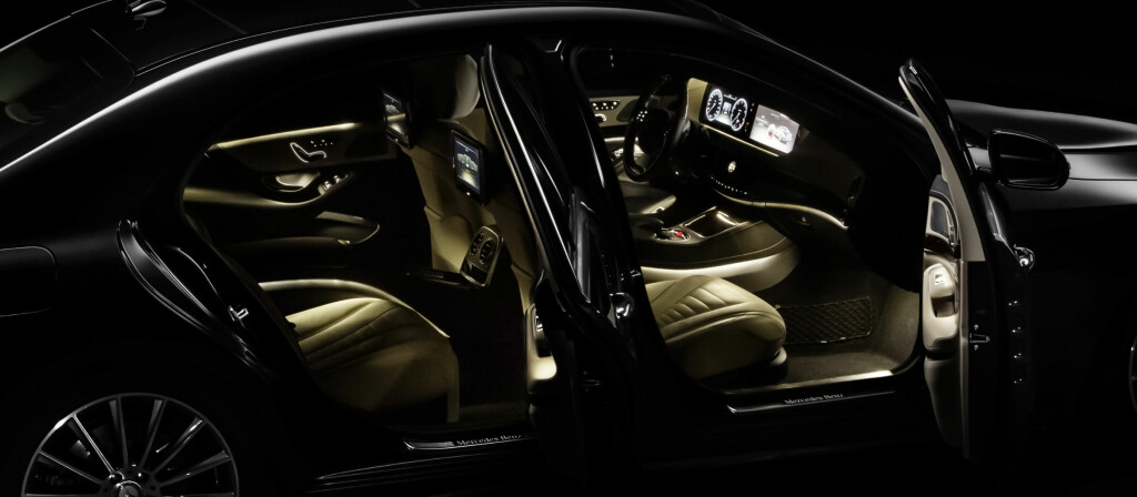 Bilnyhetene står i kø. Nye S-klasse er bare en av dem.  Foto: Mercedes-Benz