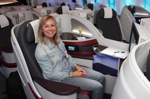 Stolene ombord (som er forbeholdt businessklasse) er laget for at du skal kunne jobbe, slappe av eller sove. Jepp, det tror vi at vi skulle fått til ... Foto: Kristin Sørdal