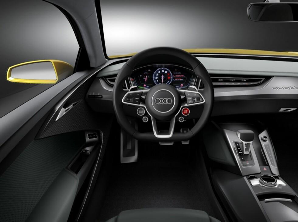 SLANKEKUR: Relativt minimalistisk dashbord; nyskapende kjøresystemer. Foto: Audi