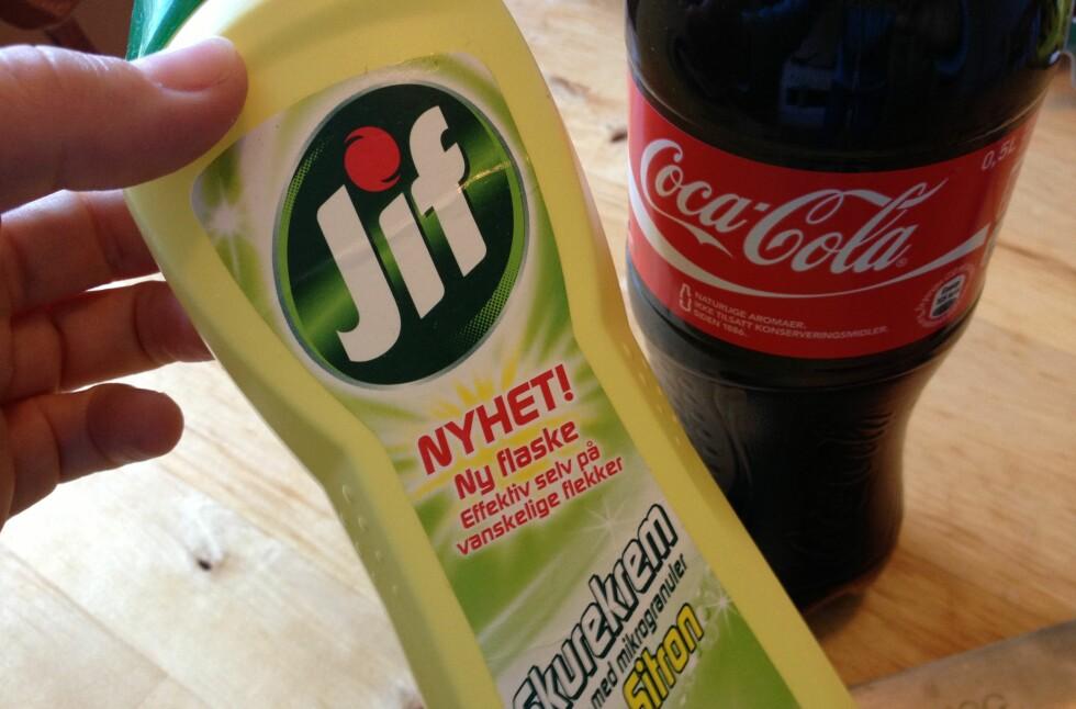 Fjerner Jif eller Coca Cola rust fra knivbladet? Det har DinSide testet. Kun et av midlene virket. Foto: Berit B. Njarga