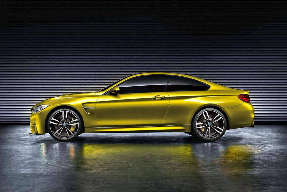 """Her er BMW M4 Coupe Concept, men ikke la deg lure av navnet. Det er så å si slik den ferdige modellen kommer til å bli seende ut. Minus noen detaljer og sannsynligvis uten """"gullstøv""""-lakkeringen. (""""Aurum Dust""""). M-felgene på 20 tommer blir nok derimot tilgjengelige. Foto: BMW"""